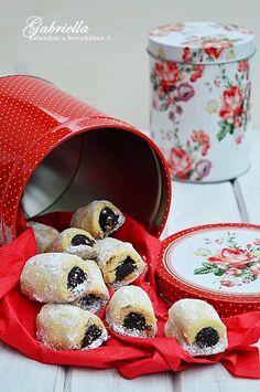Gabriella kalandjai a konyhában :): Gabi kedvenc sütije, avagy omlós mákos rudacskák Kurtos Kalacs, Poppy Seed Cookies, Raspberry, Strawberry, Meat Recipes, Sweets, Fruit, Food, Christmas