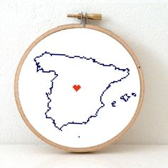 Spain Map Cross Stitch Pattern. Easy Embroidery pattern to make a Spain poster. Map art for travel theme wedding. Instant Download Pattern now for 4,95 Eur.