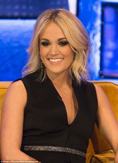 #Carrieunderwood Best Country Singers, Country Music Stars, Country Artists, Country Songs, Country Girls, Country Style, Carrie Underwood, Hollywood, Gillian Anderson