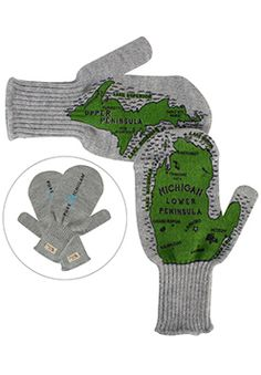 I NEED THESE MITTENS @alexiskirstine my christmas list is filling up lol