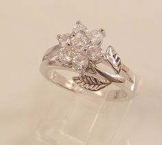 Ladies Clear CZ Flower 18K White Gold Overlay Ring~Size 6 Free Gift Box