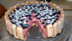 Deze feestelijke frambozen charlotte is een verrukkelijk dessert! Hij is bovendien ontzettend makkelijk om te maken.