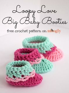 Loopy Love Big Baby Booties! Free #crochet pattern in 3 sizes from Mooglyblog.com
