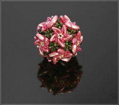 Material: * Preciosa Chilli --- in our Etsy Shop * Preciosa Seed Beads * TOHO or Preciosa Seed Beads * Preciosa Twin or Supe...