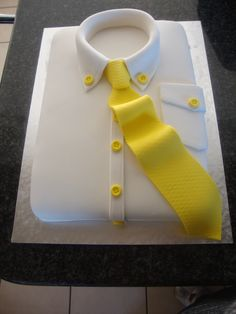 Shirt & Tie Cake My attempt. Carrot cake with a cream cheese filling Birthday Cakes For Men, Cakes For Boys, Man Birthday, Birthday Ideas, Fondant Cakes, Cupcake Cakes, Shirt Cake, Fathers Day Cake, Novelty Cakes