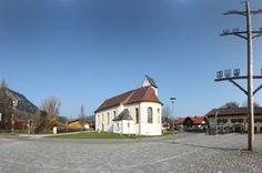 Bei diesem virtuellen Rundgang erschließt sich Ihnen die Gemeinde Pfronten im Ostallgäu. Besichtigen Sie Sehenswürdigkeiten, Denkmäler und Plätze, sowie Gastronomie, Hotels und Einkaufsmöglichkeiten. Sie können Ihre Tour per Panoramaschwenk selbst steuern und die einzelnen Locations virtuell betreten.