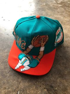 Great condition. No flaws. Details in pictures. Custom Fitted Hats, Fitted Caps, New Era Snapback, Snapback Hats, Miami Dolphins Hat, Cute Hats, Nike Shoes, Season 4, Bags