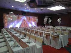 #wedding  #decor #hochzeit #esküvő #weddinglights #smallwedding Wedding Decor, Conference Room, Lights, Table Decorations, Home Decor, Wedding, Decoration Home, Room Decor, Lighting