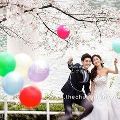 【kpw.johokan】さんのInstagramをピンしています。 《もうすぐ#桜 🌸この季節の撮影についえ本日ブログを公開しています^^/ . . 3月末から4月頭頃は 韓国も桜🌸の綺麗な時期です♡♡ . . まずは是非HPのブログで チェックしてみてくださいね~~~^^♡ . . . #ziikorea #韓国フォトウェディング情報館 #共感型韓国フォトウェディング . . . ゚+*:;;:* *:;;:*+゚ ゚+*:;;:* *:;;:*+゚ ゚+*: ・ 💻 http://www.zii-korea.jp 🔎検索ワード  🔗プロフィールのLinkからも飛べます ・ ゚+*:;;:* *:;;:*+゚ ゚+*:;;:* *:;;:*+゚ ゚+*: . . . ++++++++++++++++++++++++++++++++++ . . Zii Korea神宮前サロンにて . 1/29(日)、2/12(日)、2/26 (日) 🔸韓国フォトウェディング説明会🔸 . 少人数制[通常3組(6名)]なので、 不安に思っている事や疑問点についても…