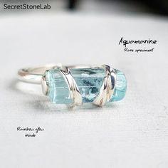 Aquamarine Crystal, Aquamarine Jewelry, Garnet Jewelry, Gemstone Jewelry, Candy Jewelry, Jewelry Gifts, Birthstone March, Raw Crystal Jewelry, Silver Engagement Rings