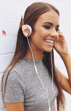Frends - Layla Headphones - Rose Gold/White | Apartment | Peppermayo