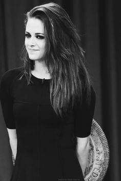 Looking pretty //Kristen Stewart