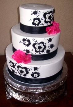 Black & White Wedding Cake. Without The Pink.
