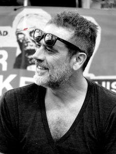 JDM Jdm, Jefferey Dean Morgan, John Winchester, Face Claims, Mom And Dad, Walking Dead, Smooth, Celebs, Deep