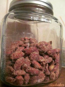 Candied Almonds via elisebakes Candied Almonds, Roasted Almonds, Yummy Treats, Sweet Treats, Dog Food Recipes, Snack Recipes, Good Food, Yummy Food, Tasty
