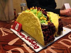 This taco cake that combines two amazing things. 17 Clever Cakes That Are Almost Too Amazing To Eat Crazy Cakes, Fancy Cakes, Birthday Cake Hd, 70th Birthday, Birthday Ideas, Taco Cake, Realistic Cakes, Tacos, Cake Gallery