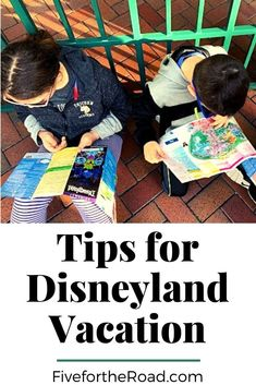Are you planning a Disneyland vacation? Check out these tips for planning a Disneyland and California Adventure visit in one day! 2 Parks/1 Day at the Anaheim Disney parks. Learn more at FivefortheRoad.com.