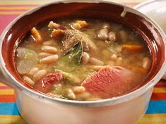 Garbure landaise - Recettes - Expolore the best and the special ideas about French recipes Basque Food, Traditional French Recipes, Liberian Food Recipe, Drink Recipe Book, Good Food, Yummy Food, Asian Soup, Batch Cooking, French Food
