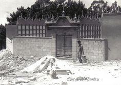 Construción do cemiterio do Ézaro. Cedida por Ezaro.com