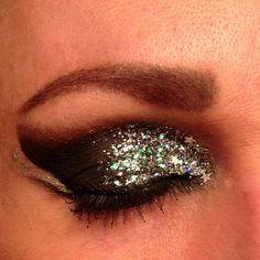 Sparkle star eyes  applique gold star makeup?