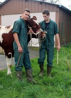 Farm Boys, Country Boys, Hot Men Bodies, Wellies Boots, Bear Men, Veterinary Medicine, Cute Guys, Farmers, Working Gear