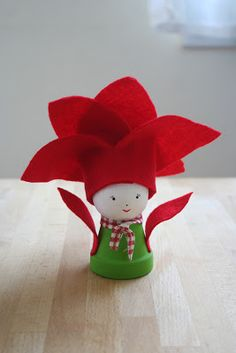 Poinsettia baby Christmas Rock, Christmas Time Is Here, Christmas Fairy, Christmas Crafts, Christmas Decorations, Christmas Ornaments, Diy For Kids, Crafts For Kids, Small Flower Pots