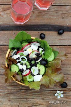 Салат с черным рисом и фетой