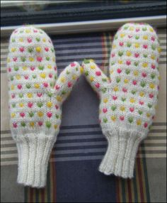 Ravelry: Yarn Harlot Thrummed Mittens pattern by Stephanie Pearl-McPhee Mittens Pattern, Knit Mittens, Knitted Gloves, Knitting Socks, Knitting Stitches, Knitting Patterns Free, Crochet Patterns, Free Pattern, Free Knitting