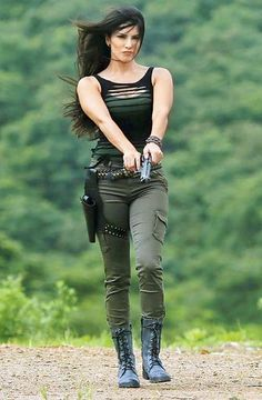 The hottest actor of Bollywood , Sunny Leone goes all guns blazing for 'Tina and Lolo'. Sunny Leone outfits and her hot looks are just empowering every girls mind. Military Women, Military Female, Military Girl, Female Soldier, Warrior Girl, Girls Dpz, Girls Image, Stylish Girl, Bollywood Actress