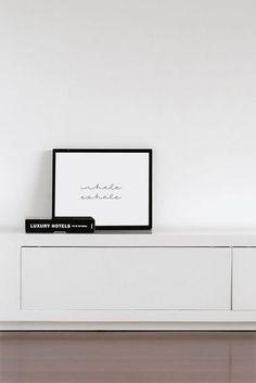 Inademen uitademen typografie Poster van honeymoonhotel op Etsy