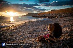 Fofuchos enamorados en la playa viendo este hermoso atardecer!