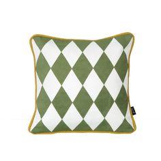 Cojín geométrico verde pequeño http://www.decoratualma.com/es/ferm-living/2611-cojin-geometrico-pequeno-verde.html 28 €