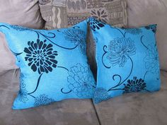Blogger Shanice from City of Creative Dreams used old plastic bags as pillow inserts.