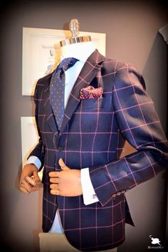 Love this suit? Let us make this style for you at www.makersclubsuits.com