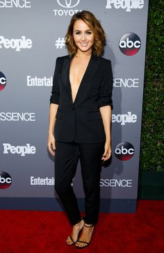 Ellen Pompeo & 'Grey's Anatomy' Cast Celebrate TGIT: Photo Ellen Pompeo is pretty in plum while attending the ABC TGIT Line-Up Celebration held at Gracias Madre on Saturday night (September in West Hollywood, Calif. Camilla Luddington, Ellen Pompeo Hairstyles, Cut And Style, Cut And Color, Lexie Grey, Brown Hair With Blonde Highlights, Greys Anatomy Cast, Gray Aesthetic, Red Carpet Looks