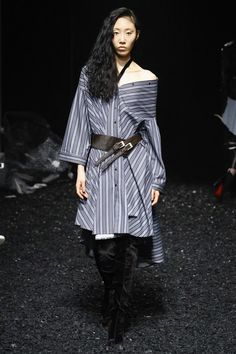 http://www.vogue.com/fashion-shows/fall-2017-ready-to-wear/palmerharding/slideshow/collection