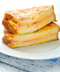 11 Grilled Cheese Recipes That'll Make You Drool.... Have I ever mentioned the ridiculous love affair I have with grilled cheese sandwiches? Yummmmm....