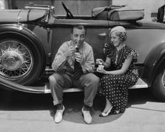 Bing Crosby & Mary Pickford enjoy some ice cream