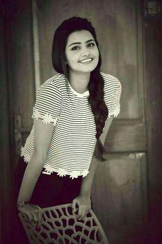 Beautiful and Sexy Babes! Cute Girl Poses, Girl Photo Poses, Most Beautiful Indian Actress, Beautiful Actresses, Girl Pictures, Girl Photos, Hd Photos, Anupama Parameswaran, Stylish Girl Images