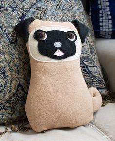 Free Plush Pug Softie Sewing Pattern Animal Sewing Patterns, Dog Clothes Patterns, Easy Sewing Patterns, Sewing Ideas, Sewing Projects, Sewing Stuffed Animals, Stuffed Animal Patterns, Pet Clothes, Dog Clothing