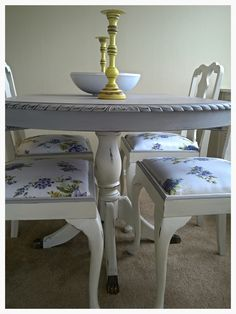 Dining suite in Annie Sloan Old White and French Grey :)