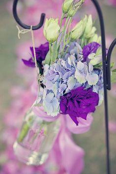 purple and blue aisle markers    {photo credit: Kristi Chapman Photography}