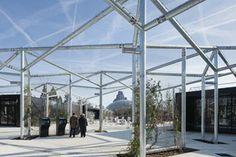 Architect Paris Zoological Park, designed by Bernard Tschumi Architects