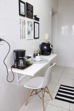 E esse cantinho do café que lindo? Interior Design Living Room, Living Room Decor, Interior Decorating, Home Decor Kitchen, Kitchen Design, Coffee Bar Home, Pinterest Home, Bars For Home, Sweet Home
