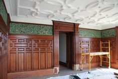 If this were the way wood panelling always looked, more home buyers would keep it.  .  .CG Inc || William Morris design www.creatini.com