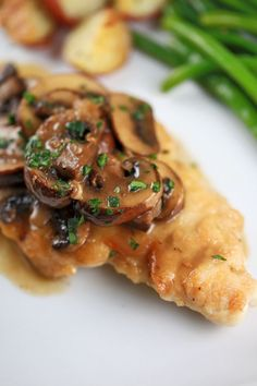 Delicious sweet and savory chicken Marsala with mushrooms | jessicagavin.com