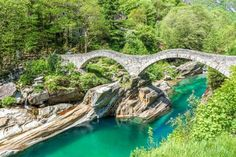 Switzerland isn't just about snowboarding or skiing down alpine slopes. Just check out these fourteen amazing places to visit in Switzerland and it won't be long before you're purchasing your flight ticket. Camping Places, Places To Travel, Travel Destinations, Cool Places To Visit, Great Places, Best Places In Switzerland, Travel Around The World, Around The Worlds, Reisen In Europa