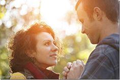 Cómo saber si alguien siente atracción por tí - http://panamadeverdad.com/2014/10/06/como-saber-si-alguien-siente-atraccion-por-ti/