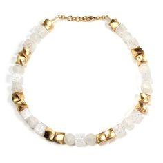 Kette aus gedrehten Würfeln mit Goldmetall-Auflage und Quarzelementen * Necklace Acrylic with Goldmetall-Leaves and Quartz