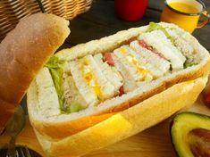 食パン・シュープリーズのパンのくり抜き方   型にはまったお菓子なお茶の時間 Hot Dog Buns, Hot Dogs, Bread Gifts, Sushi, Picnic, Sandwiches, Tacos, Lunch, Ethnic Recipes